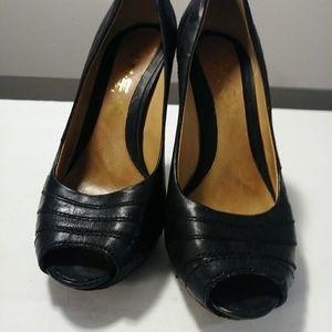 LAMB Gwen Stefani's black leather high-heels